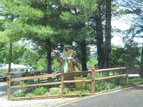 Yogi Bear's Jellystone Park at Natural Bridge: Yogi Bear Welcome