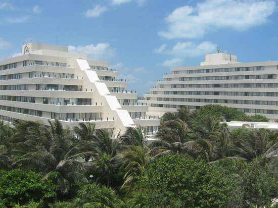 Park Royal Beach Resort Cancun: View from the ruins