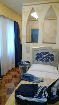 Hotel La Rosetta : La stanza singola.