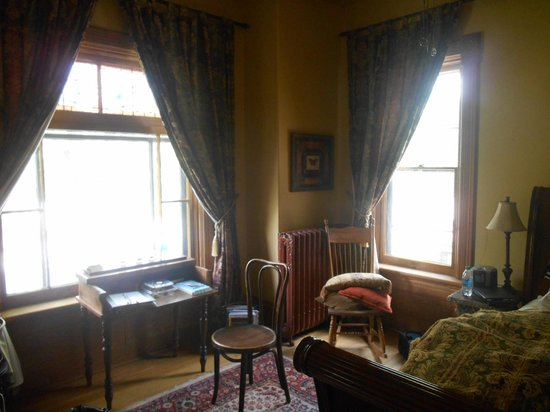 London House Bed And Breakfast Guelph Ontario