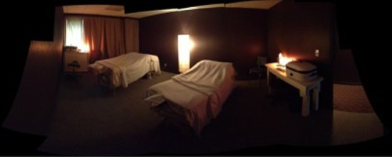 Birch Body Care : Our cozy, relaxing couples massage room