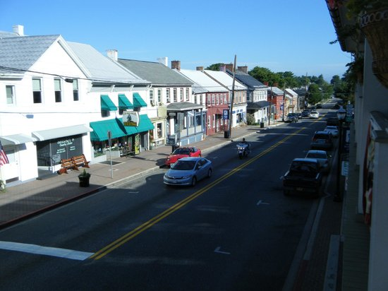 Inn BoonsBoro : Another view of the street from the front balcony.. lots of interesting shops to visit