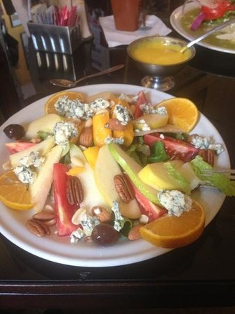Juan's Cafe: Gorgonzola salad