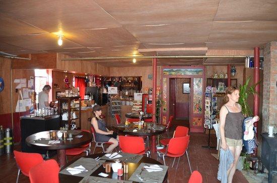 Les rêves et...veillées : salle a manger et bar du rdc