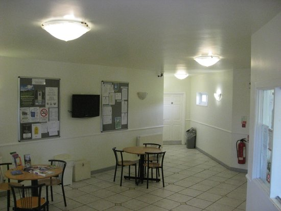 Bentra Golf Course: Lobby area of club house.