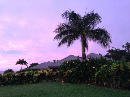Taveuni Island Resort & Spa: Beginning of a beautiful sunset