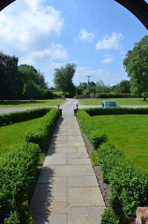 Rhandregynwen Hall Bed & Breakfast: Grounds