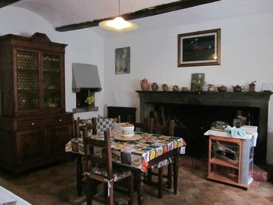 Le Limentre: la cucina dove si fa colazione
