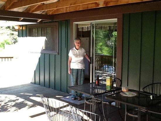 Flying Arrow Resort: Porch