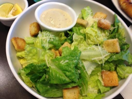 Courtyard Springfield Airport: Caesar salad