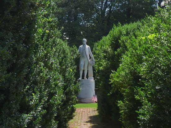 James Monroe's Highland: Statue of Monroe