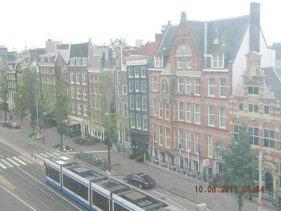 Tulipana Residence: Vista do hotel para a rua.
