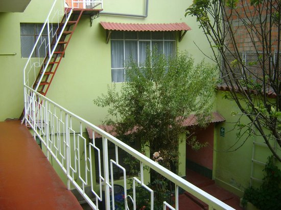 El Manzano Lodge : hostel