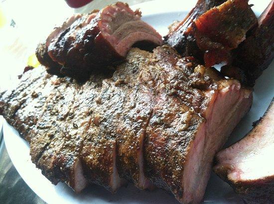 Woodyard Bar-B-Que: That's some damn fine BBQ!!!!!!!