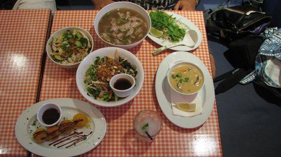 Restaurante bun bo vietnam raval en barcelona con cocina - Restaurante vietnamita barcelona ...
