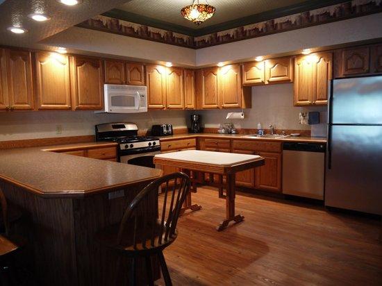 Beaver Valley Lodge: Full kitchen