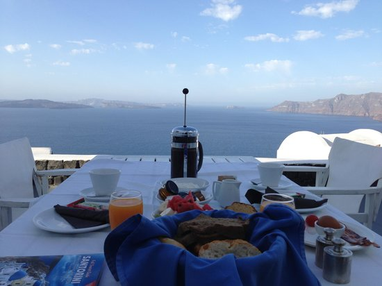 ‪‪Atrina Traditional Houses‬: breakfast with a view‬