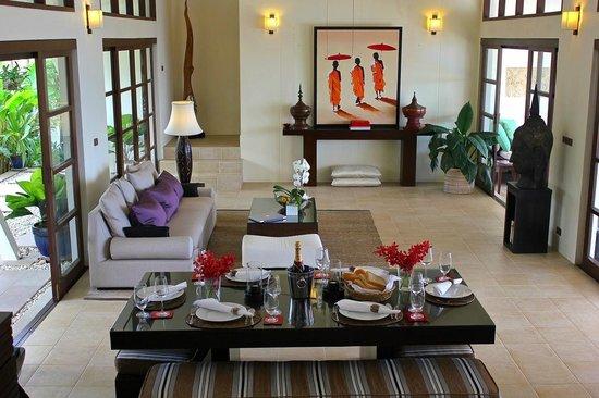 Baan Sawan Villa: Living room