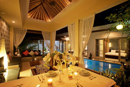 Enigma Bali Villas: Villa 2 -  Mia: Dining, Living Room
