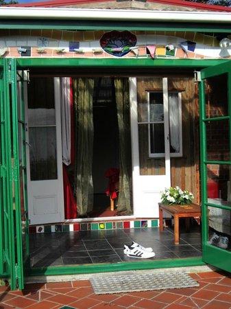 Bethells Beach Cottages: Front door