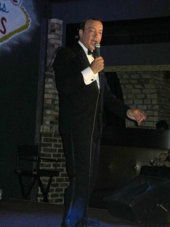 "Rat Pack and Friends: Frank singing ""Fly Me to the Moon"""