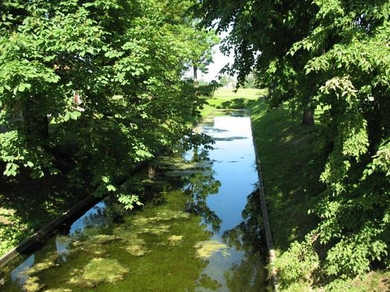 Day Trip to Rundale Palace: Small River near Palace