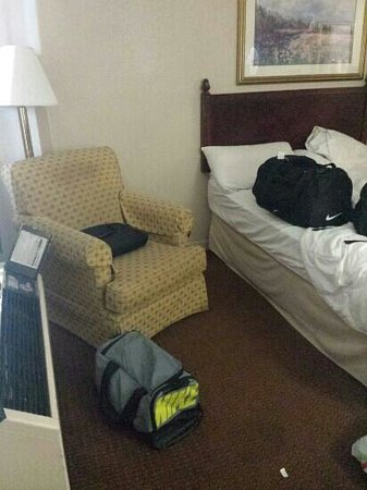 Econo Lodge Inn & Suites at Fort Benning: never get room service