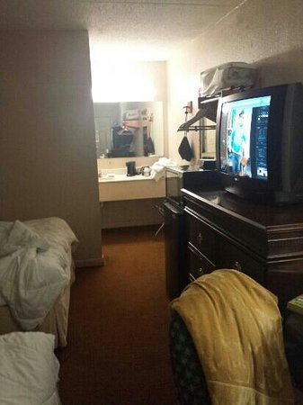 Econo Lodge at Ft. Benning: room