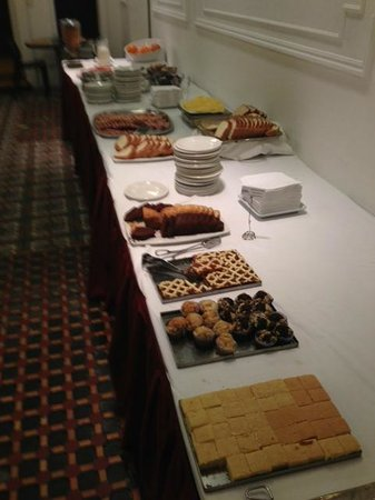Hotel Mundial: Breakfast buffet   July 2013