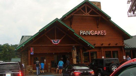 Flapjacks Pancake Cabin: Outside of restaurant