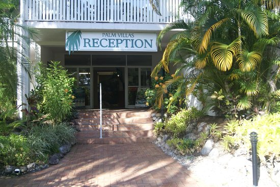 Palm Villas Port Douglas: the entrance