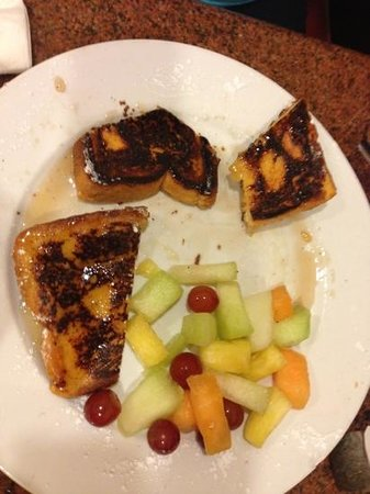 Roxy Delicatessen : Burnt french toast for $15.95......anyone?