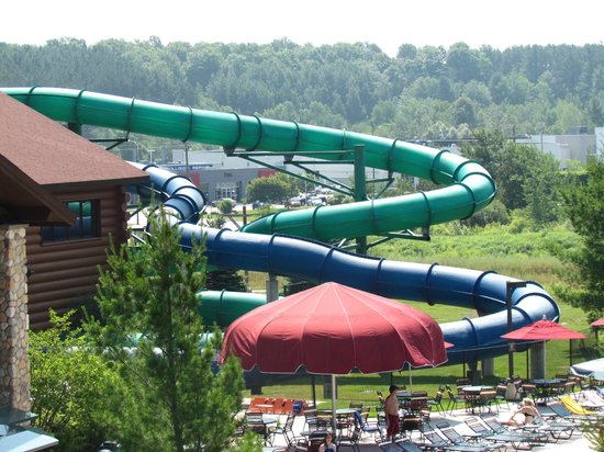 Great Wolf Lodge: The tube water slides!!