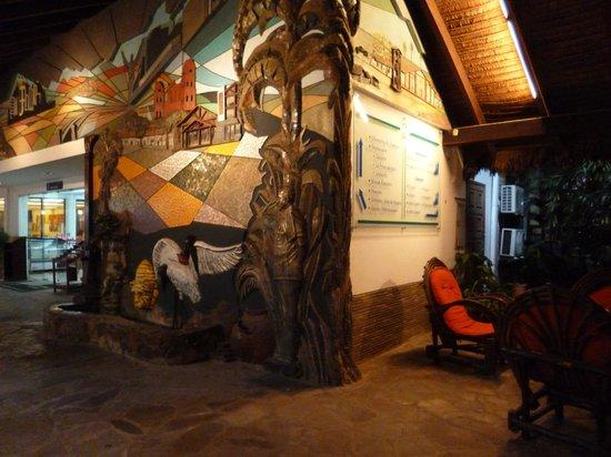 Hotel Cortez : Cascada interior