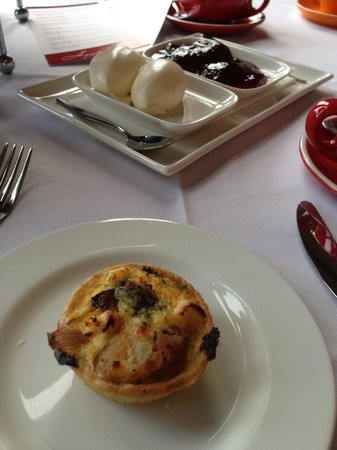Manor Grill at Rydges Hotel Hobart: Mini Quiche
