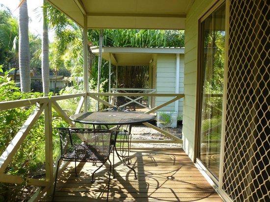 Darwin FreeSpirit Resort : Resort cabin, veranda