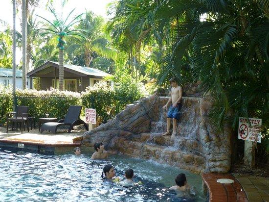 Darwin FreeSpirit Resort : No climbing, no jumping?