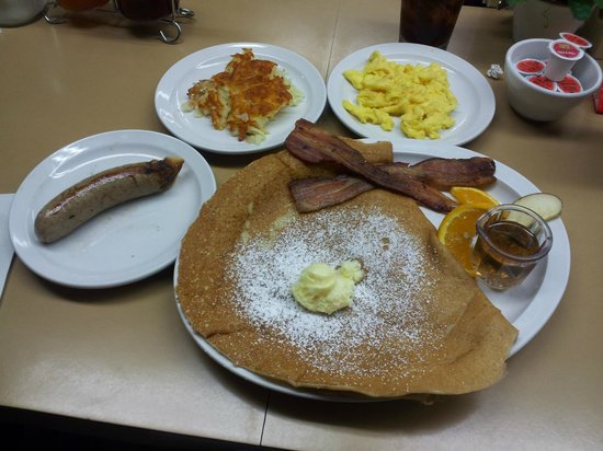 Paula's Pancake House: Danish Pancake Combo with side of Danish sausage & hashbrowns