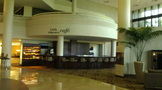 Lobby 2 - Sheraton Tampa East - Picture of Sheraton Tampa Brandon ...