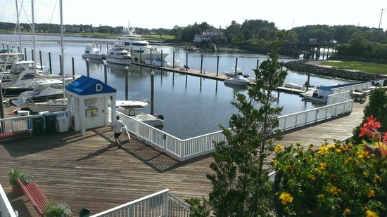 Latitudes Restaurant: View from the outdoor seating