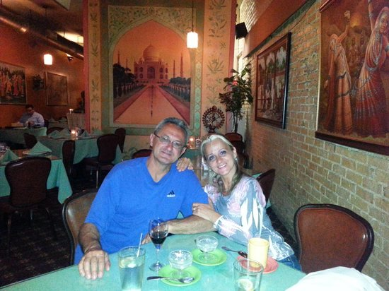 Taj Cafe Indian Cuisine: Great evening @ Taj