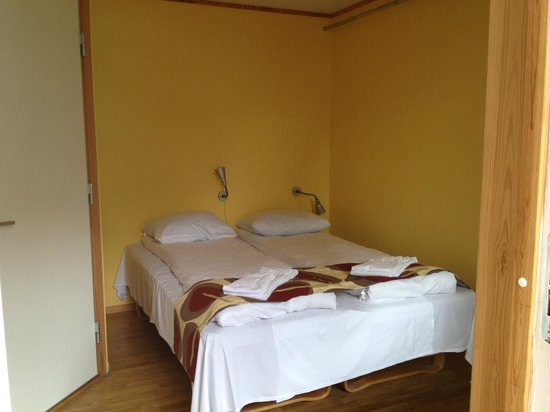 Stryn Hostel & Motel: View of the double room with private bathroom