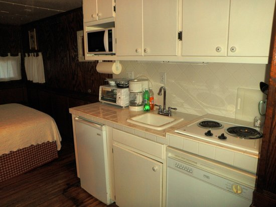 The Antlers Inn : fully equipped kitchen