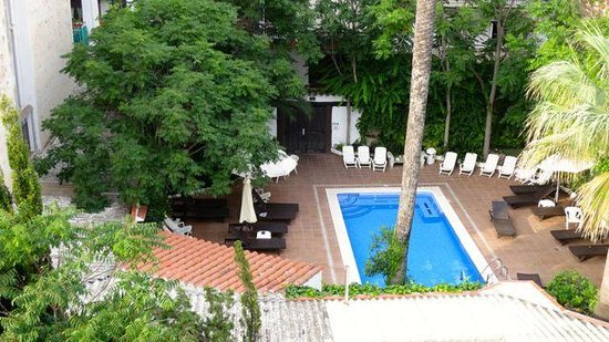 Hotel Galeón: Pool area