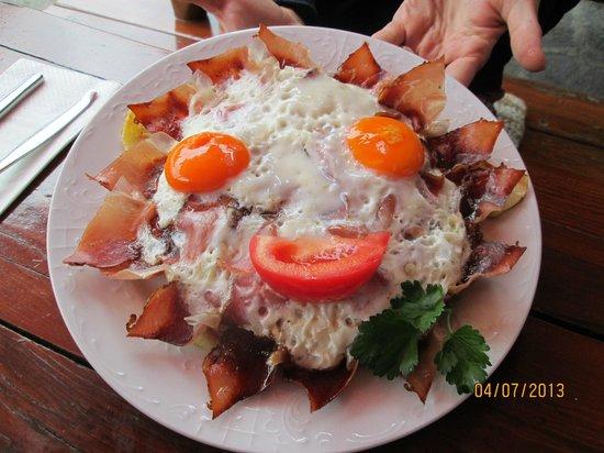 Restaurant St. Moritz: Speck uova e patate