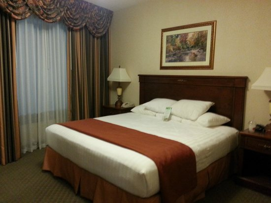 Drury Plaza Hotel St. Louis Chesterfield : The worlds softest bed!