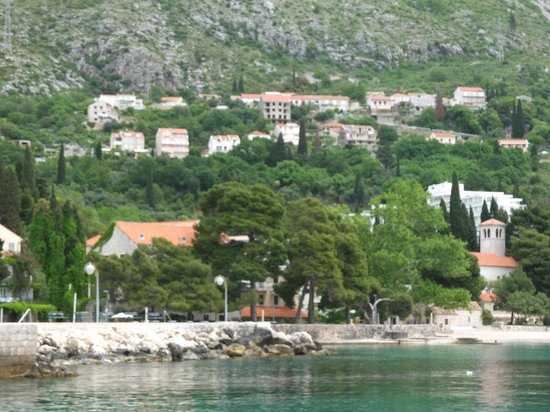 Andrijana Apartments: Apartment is up from the harbour