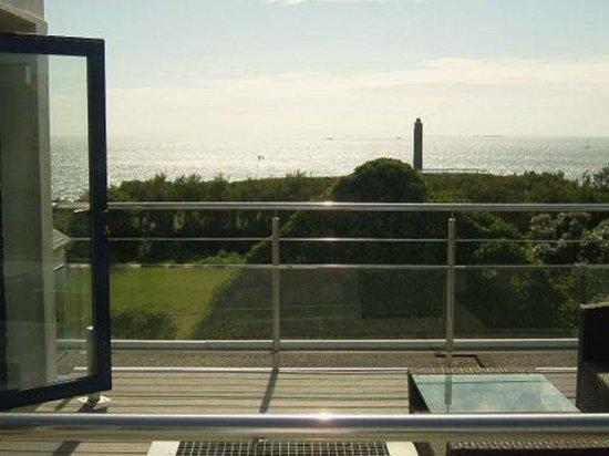 Hostellerie de la Pointe Saint-Mathieu : la terrasse et l'océan