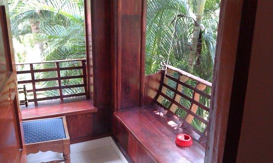 Akhil Beach Resort: sit-out