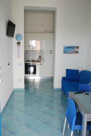 sala e cucina - Picture of Top Residence Marcella, Isola di ...